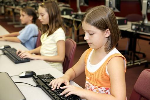 Aptauja: Skolēni labprāt padziļināti apgūtu programmēšanu