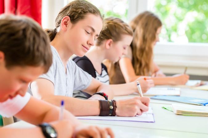 Liepājas mērs: Vairāk nekā puse Liepājas vidusskolu neatbilst MK prasībām