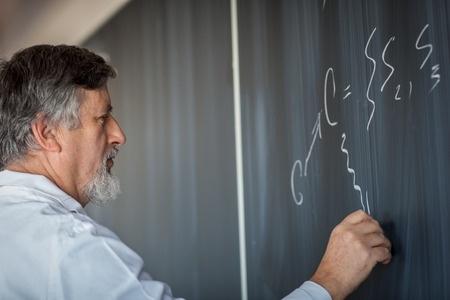 """""""Ekselences balvai"""" aicina izvirzīt progresīvus skolotājus"""