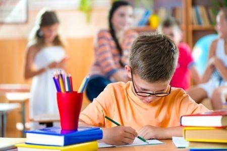"""Pēc apvienošanas atsevišķās Rīgas skolās mācības organizēs """"divās mājās"""" attiecīgās vecuma grupās"""