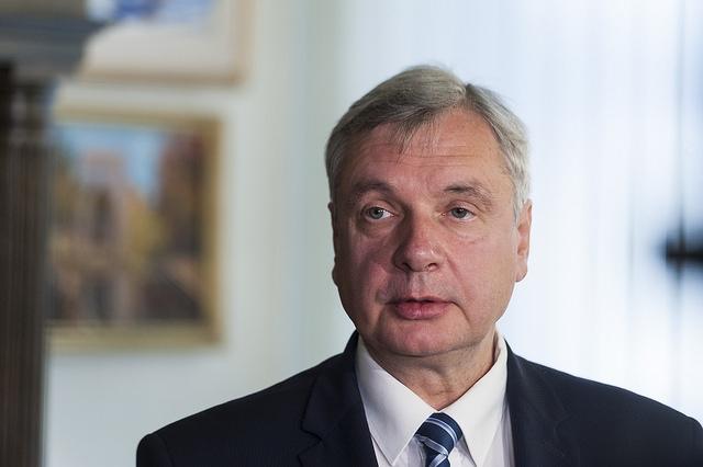Noraida izglītības ministra demisijas pieprasījumu