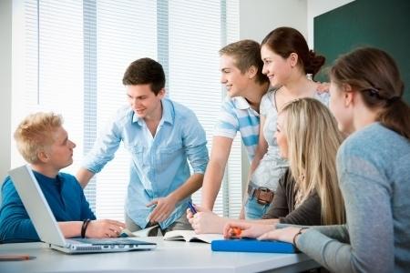 Nodarbināto apmācības papildinās ar svešvalodu apmācībām