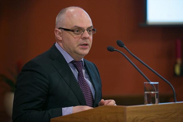 Roberts Ķīlis: Ministrs nepaspēs veikt mācību gada pagarināšanas reformu