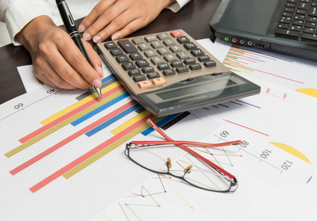 Igaunijas skolotāju minimālā bruto alga sasniegs 1250 eiro