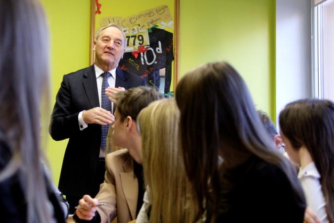 Prezidents aicina skolēnus turpināt izglītoties mūža garumā