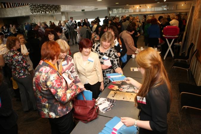 Konference E-KLASE 2015 pulcē vairāk nekā 1000 dalībnieku