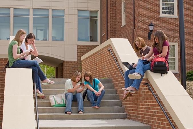 Mācību gada laikā skolēnu skaits privātajās izglītības iestādēs kāpis