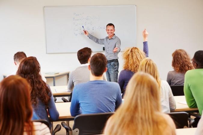 Ziņojums: Skolēnu skaits klasē Latvijā ir ievērojami zemāks nekā vidēji OECD valstīs