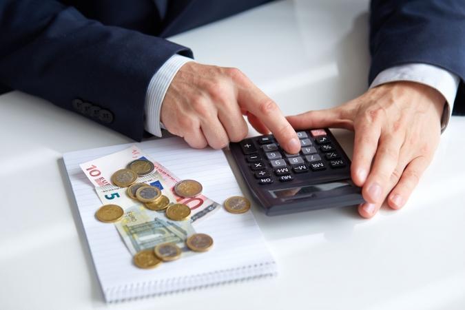 2015./2016.mācību gadā pedagogi varētu saņemt 709 eiro lielu algu