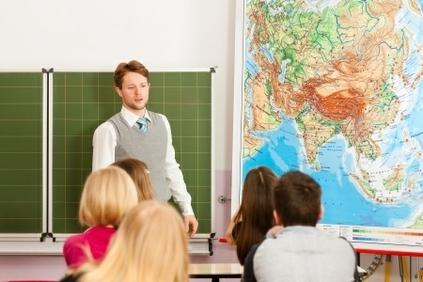 Turpinās pedagogu darba samaksas modeļa izstrāde