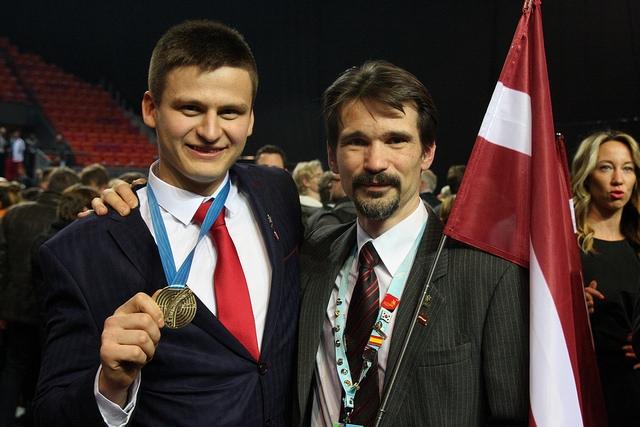 Latvijas jaunie profesionāļi konkursā izcīna deviņas medaļas