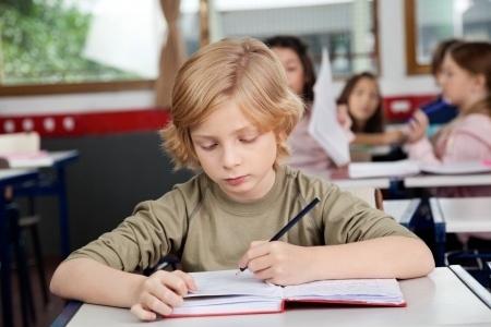 Skolās varētu vairāk koncentrēties uz prasmju apgūšanu