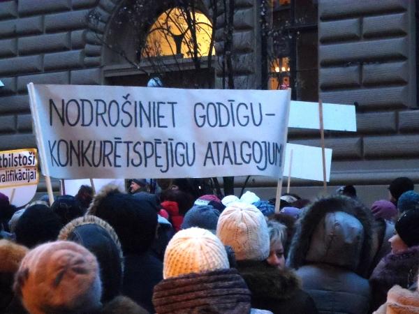 Pedagogi vienojas par brīdinājuma streiku 27.novembrī