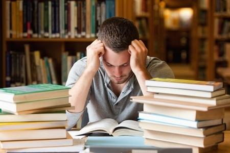 Parādniekiem negrib dot studiju kredītu