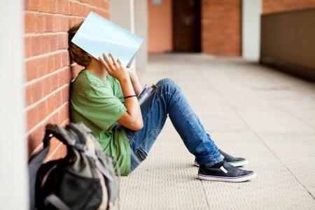 Vardarbība skolās. Valsts policija centīsies skolas padarīt drošākas