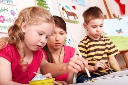 Vismaz 56 privātie bērnudārzi Rīgā darbojas neatbilstošās telpās