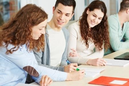 IZM sola veikt precizējumus noteikumos par stipendijas piešķiršanu profesionālo izglītības iestāžu audzēkņiem