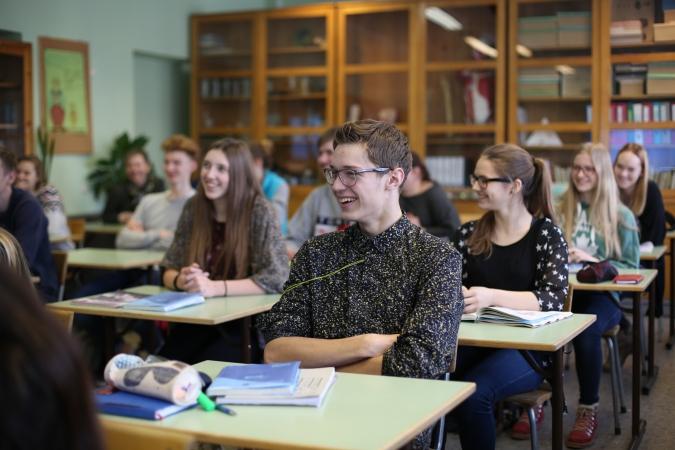 Talantīgi Latvijas skolēni saņem stipendijas 35 000 eiro apmērā
