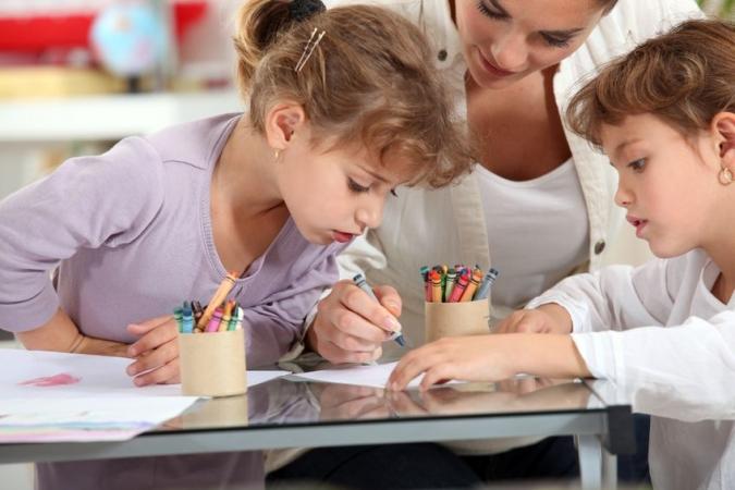 Teju visas IKVD reģistrētās aukles drīkst turpināt pieskatīt bērnus
