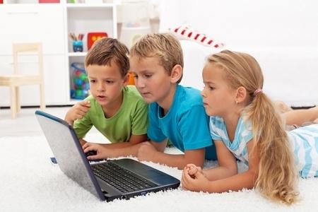 Jelgavā sāks izglītojošu nodarbību ciklu vecākiem par bērnu drošību