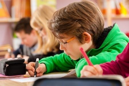 Pagaidām izmaiņas Rīgas skolu tīklā neplāno