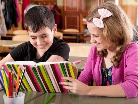 Skolās nonākusi scientologu grāmata