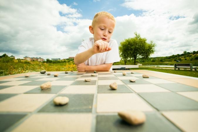 Latvijas skolēni rada starptautiski atzītu galda spēli