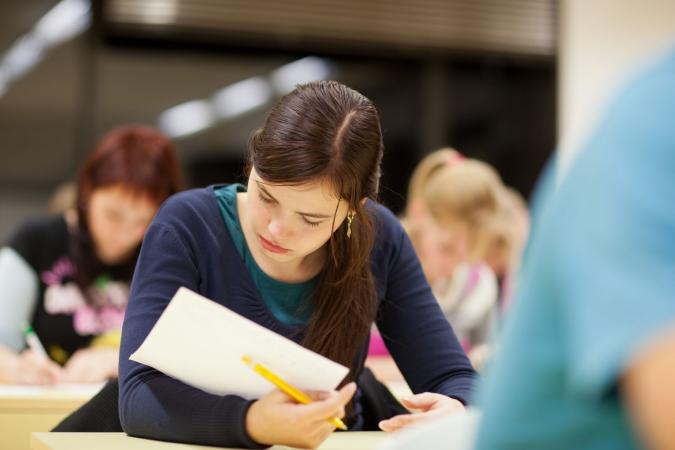 Vairākās augstskolās sākas jauno studentu uzņemšana