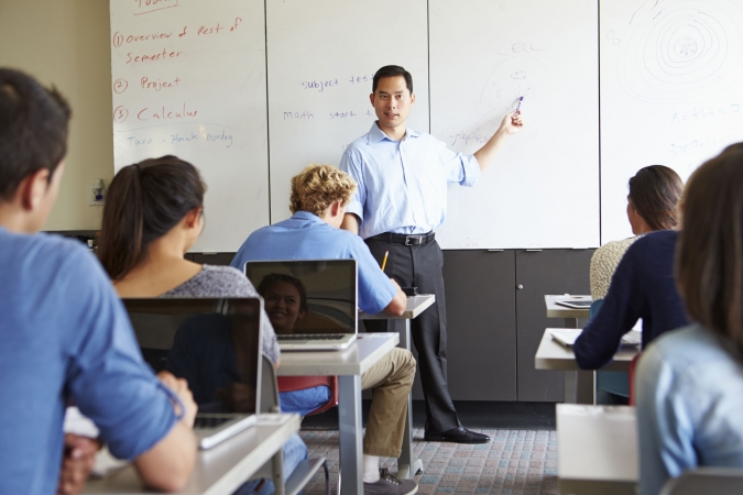 Pagaidām skolotāju algas nepubliskos