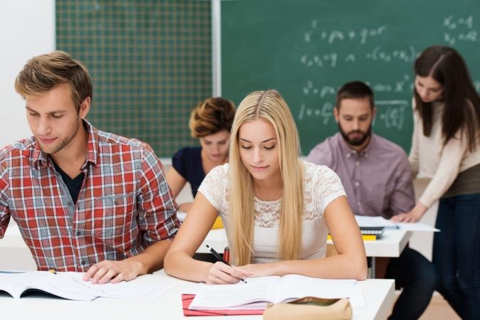 Druviete: augstskolas ir tendētas samazināt eksāmenu skaitu