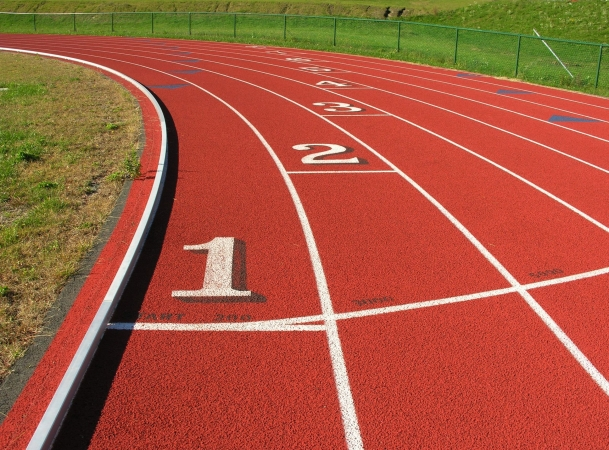 Apbalvo labākos jaunos sportistus un viņu trenerus