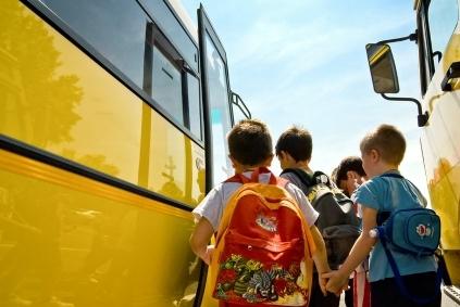 Ikviens var palīdzēt piepildīt skolēnu somas