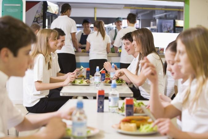 Ventspilī palielina finansējumu skolēnu kompleksajām pusdienām