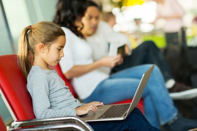 Bērni pulciņu vietā izvēlas datorus