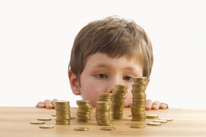 Pētījums: Ko bērni un vecāki domā par kabatas naudu?