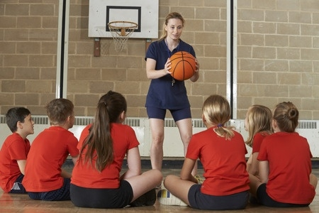 Ministrija meklē gada labāko sporta skolotāju