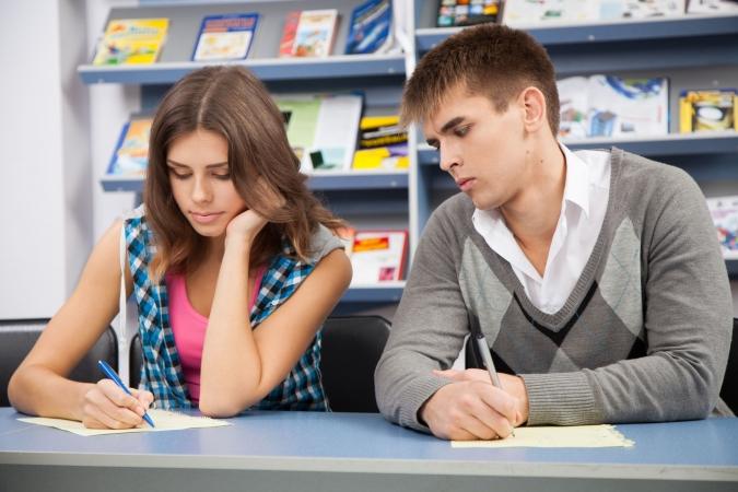 Skolēniem būs vairāk pārbaudes darbu