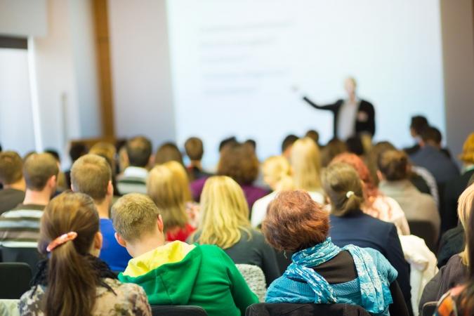 Aicina pieteikties latviešu valodas bezmaksas kursiem