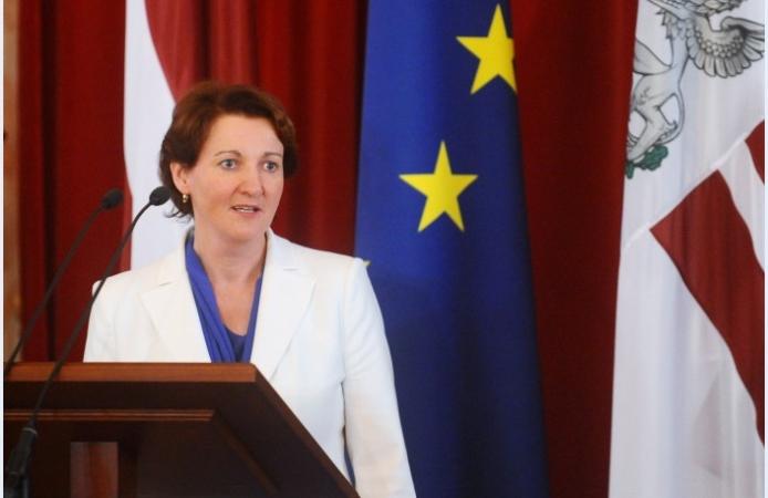 Ministre: Pēc jaunā modeļa ieviešanas visi pedagogi nevarēs strādāt pilnu slodzi