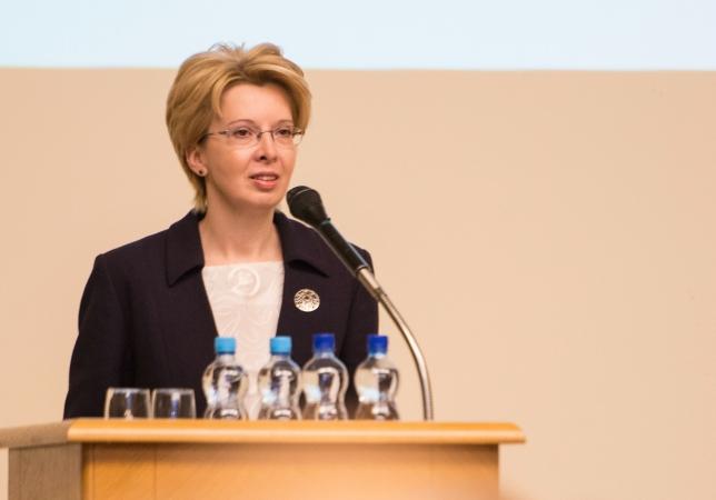 Saeimas priekšsēdētāja Ināra Mūrniece aicina cienīt skolotājus