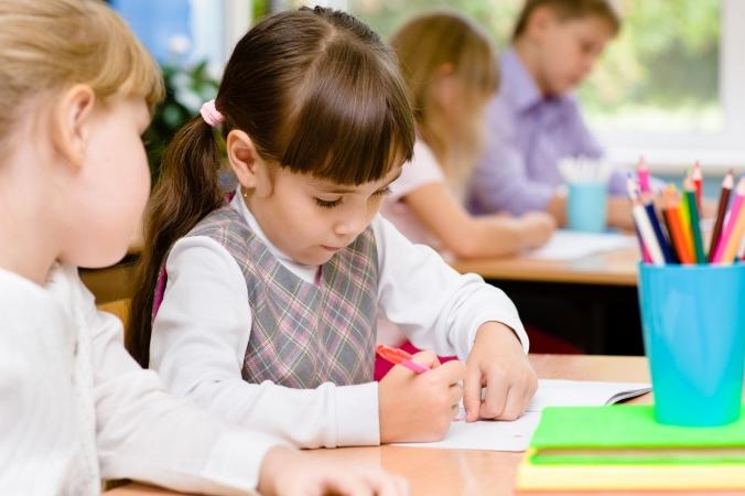 Oktobrī vēl var pieteikties pabalstam mācību līdzekļu iegādei