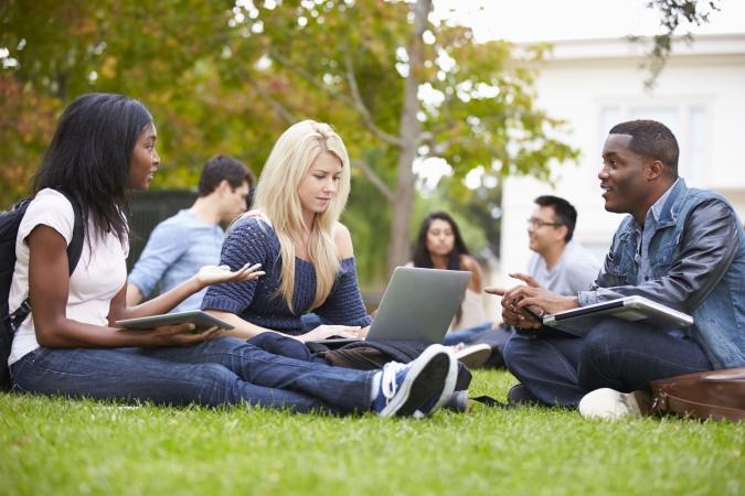"""Atrisinātas problēmas ar """"Erasmus+"""" stipendiju saņemšanu"""