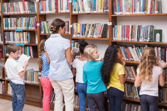 Jaunais darba samaksas modelis rada bažas par skolu bibliotekāru algām