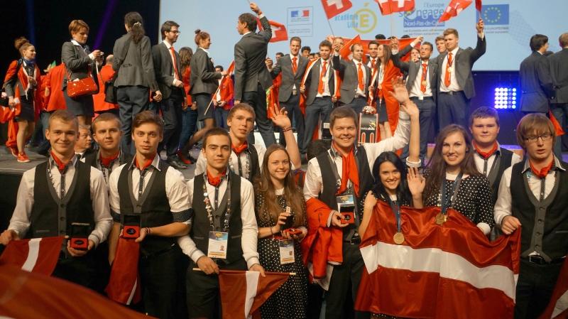 Latvijas skolēni profesionālās meistarības konkursā gūst medaļas