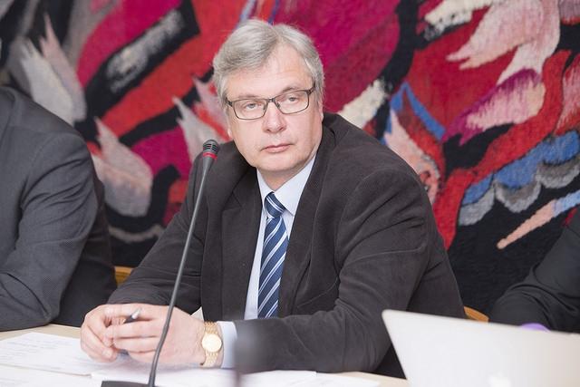 Kārlis Šadurskis: Trīs gadu laikā pedagogu alga pārsniegs 1000 eiro