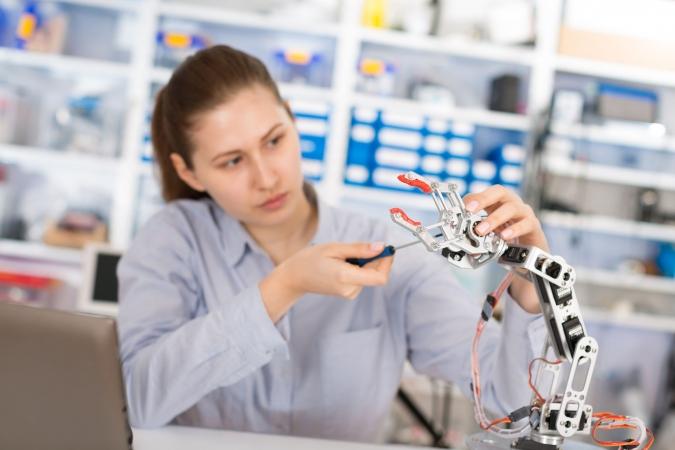 RTU nodibina Inženierzinātņu vidusskolu talantīgiem skolēniem
