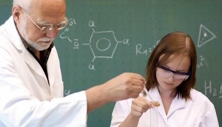 Latvijai ķīmijas nozarē vajadzīgi jauni speciālisti