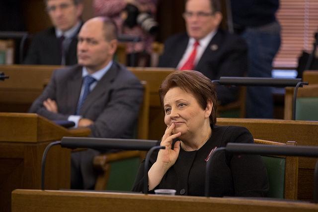 Mārīte Seile solījusi premjerministrei skaidrot, kāpēc Latvijā skolā jāmācās 12 gadus