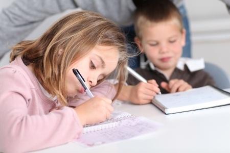 Skolēni un vecāki savlaicīgi jāinformē par mācību norisi streika laikā