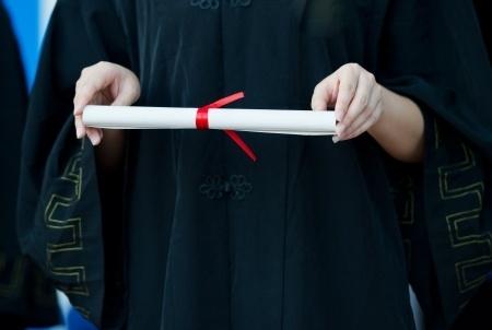 Vērš uzmanību uz problēmām saistībā ar gaidāmo bēgļu diplomu atzīšanu